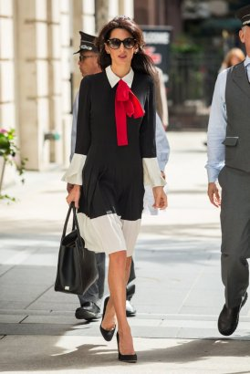amal-clooney-wearing-gucci-dress-red-bow-sept-2016