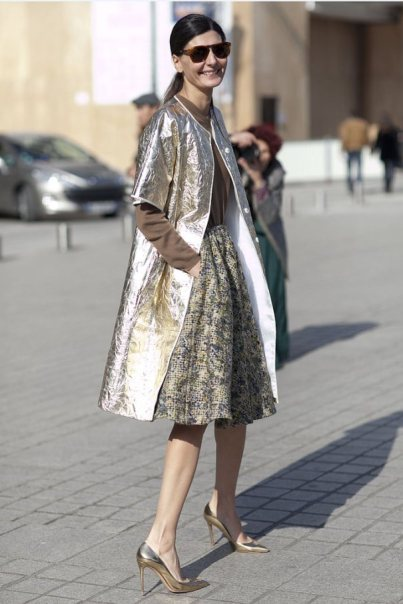 Metallic-Outfits-Womens-Street-Style-Looks-12