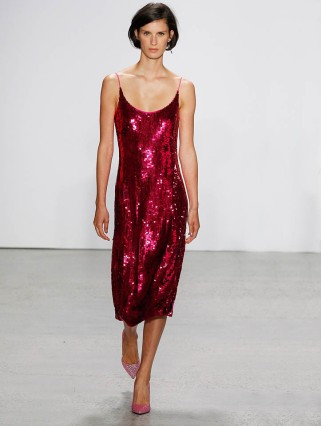 oscar-de-la-renta-spring-summer-2018-ss18-collection-rtw-27-pink-sequin-dress