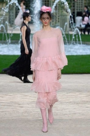 Spring_Summer_trends_Fabulous_Muses_Diana_Enciu_ALina_TanasaChanel
